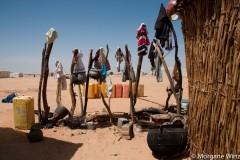 « Au moins, ici, personne ne va me demander de partir », explique Zamzabila, l'une des bénéficiares du projet d'urbanisation du UNCHR. « Mais on n'a pas de quoi manger », ajoute-t-elle.