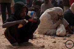 Parmi les refoulés d'Algérie, on compte un grand nombre de femmes et d'enfants. Ils vivaient pour la pluspart de la mendicité.
