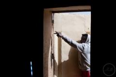 """""""Sniper"""" est originaire de Côte d'Ivoire. Il a financé son voyage vers l'Europe en travaillant dans un ghetto pendant plus d'un an."""