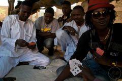 Début 201!, des centaines de Soudanais, originaires du Darfour, sont arrivés dans la ville. Ils fuyaient la Libye pour la plupart.