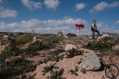 A Zarzis, Chamesddine Marzoug offre une sépulture aux personnes qui sont décédées dans la mer Méditerranée, 2020.